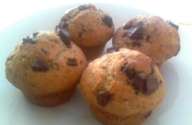 Vrhunske sestavine za izdelavo čokoladnih mafinov in kokosovih kock